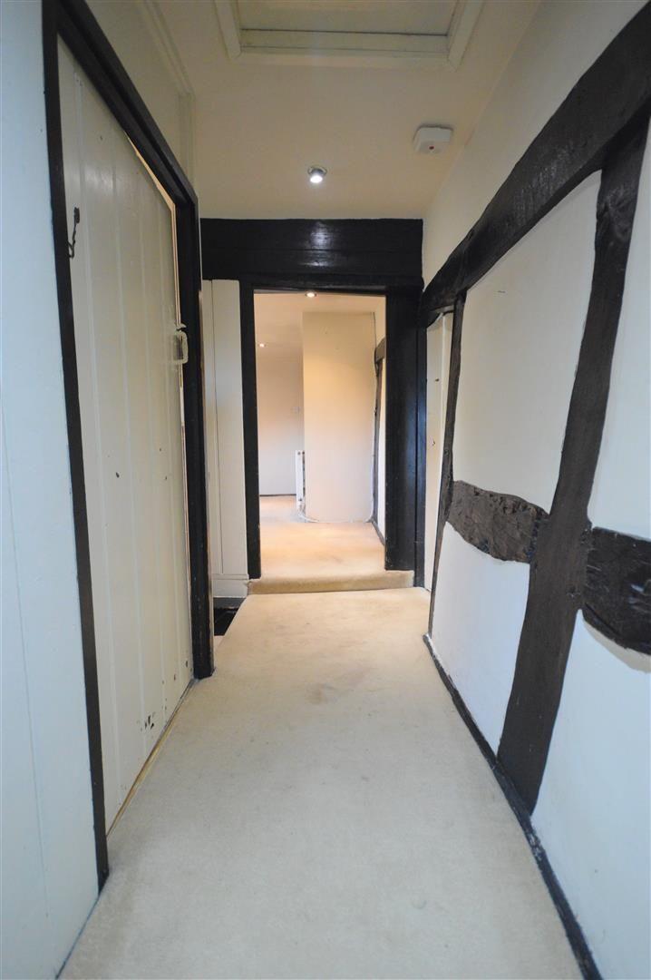3 bed cottage for sale in Pembridge 12