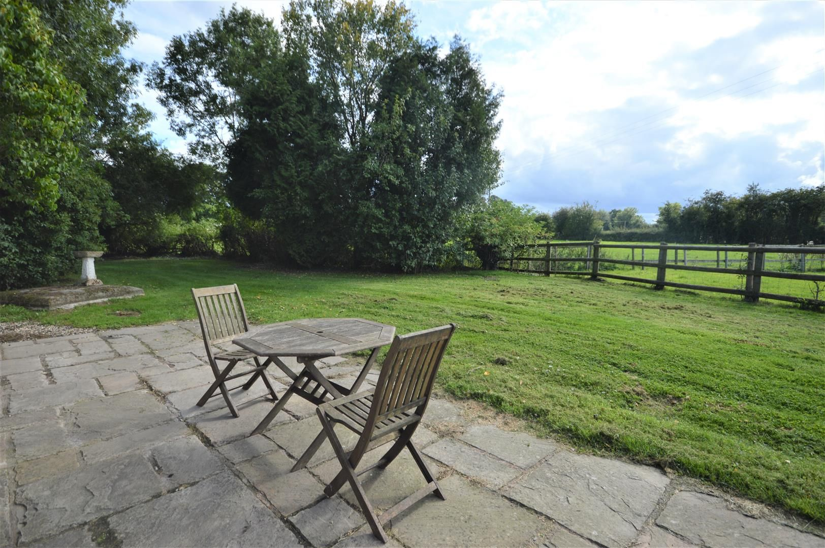 3 bed cottage for sale in Pembridge 14
