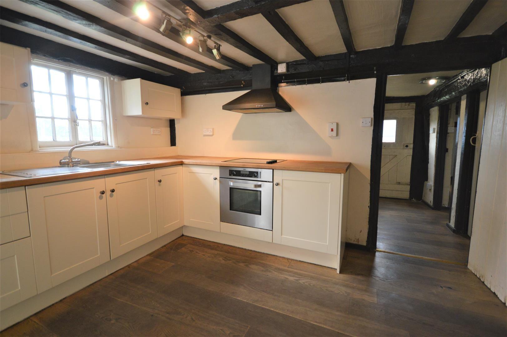 3 bed cottage for sale in Pembridge 4