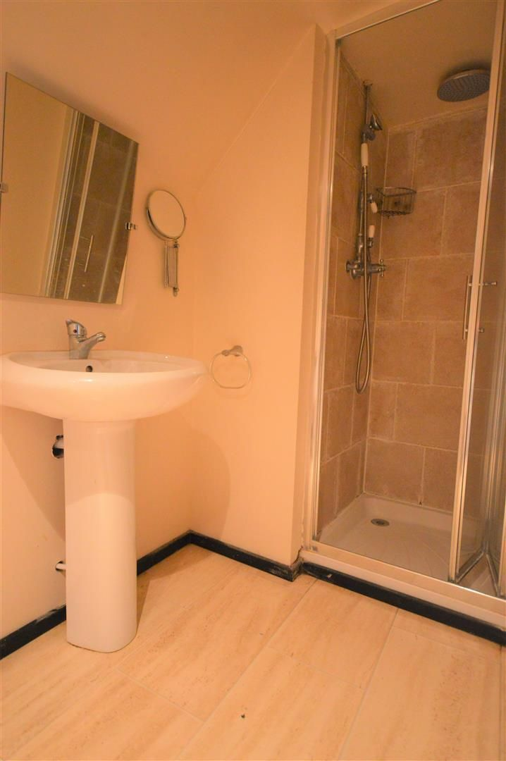 3 bed cottage for sale in Pembridge  - Property Image 8