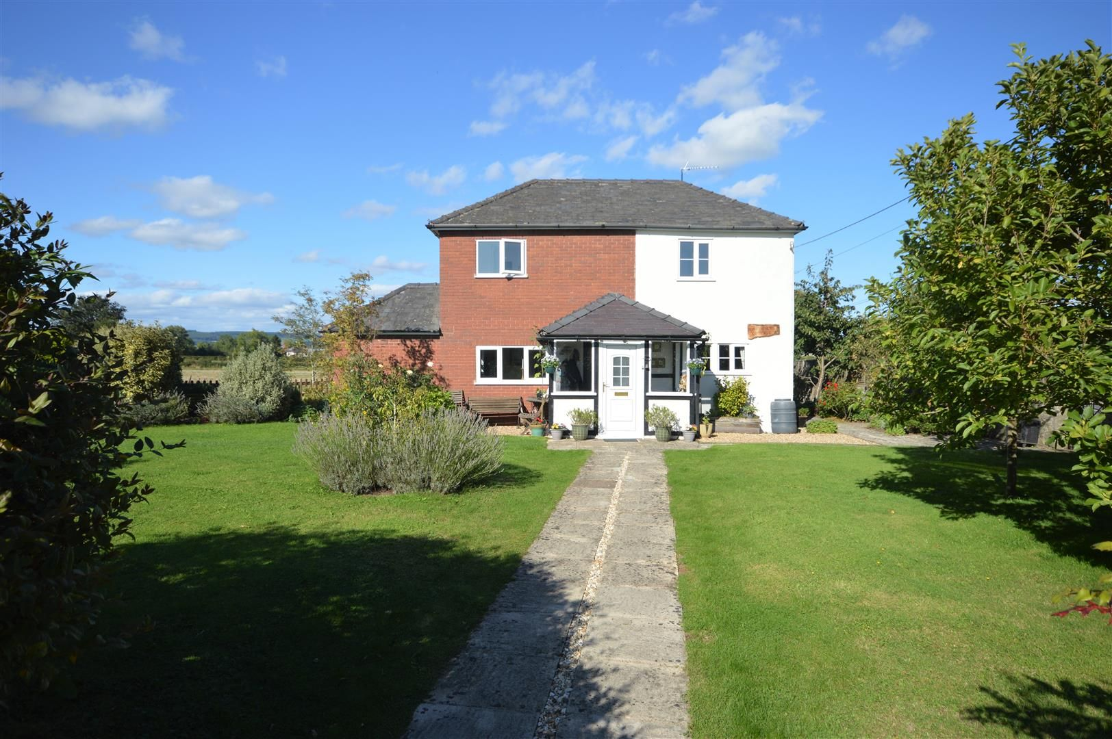 4 bed detached for sale in Shirlheath - Property Image 1