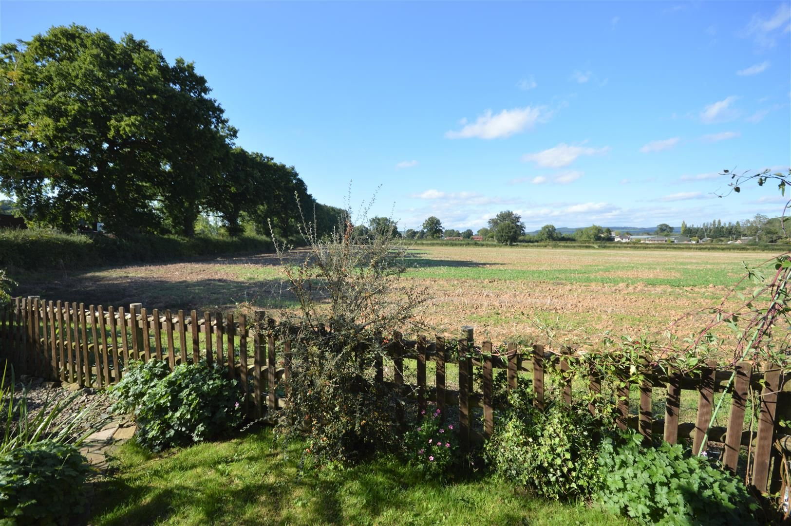 4 bed detached for sale in Shirlheath 2