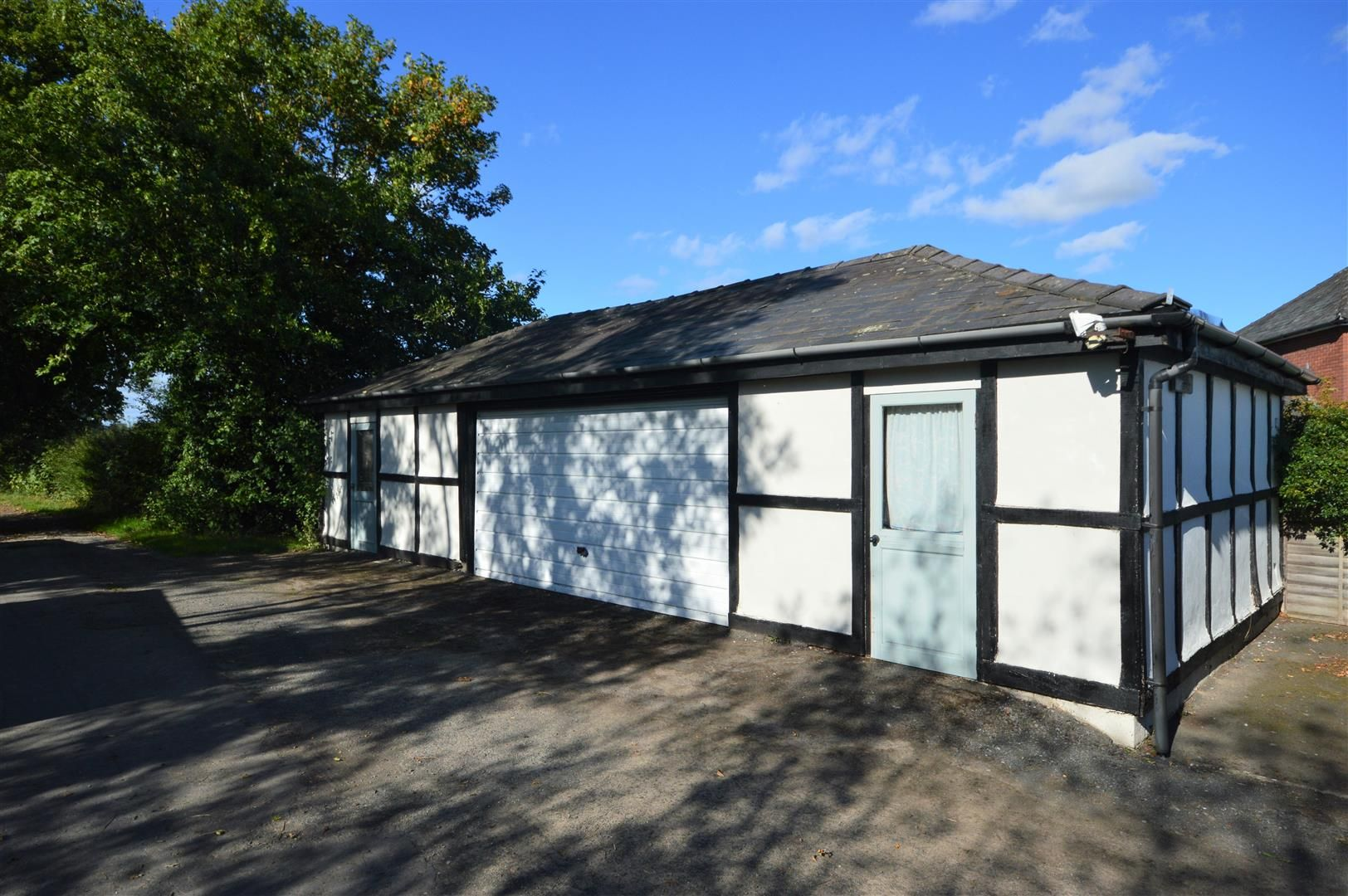 4 bed detached for sale in Shirlheath 18
