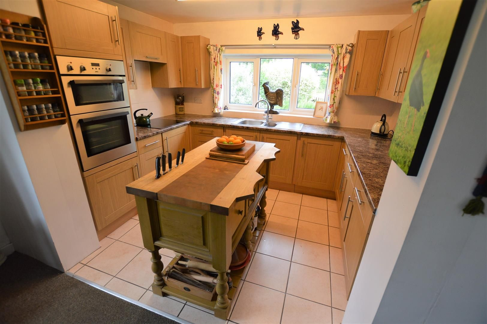 4 bed detached for sale in Shirlheath 5