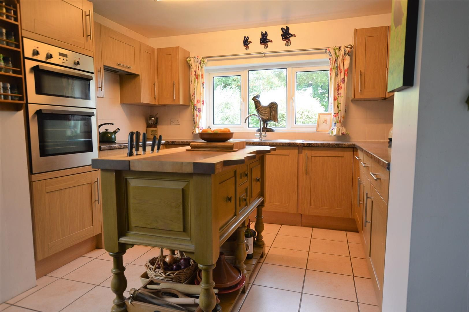 4 bed detached for sale in Shirlheath 6