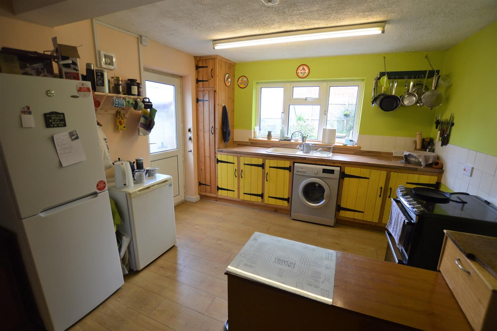 2 bed end of terrace for sale in Leominster 2