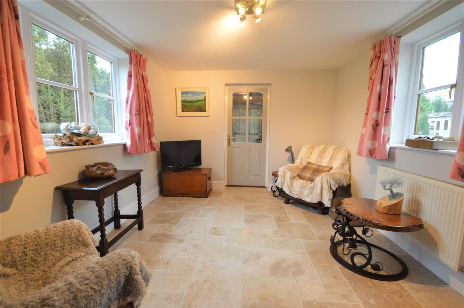 3 bed country house for sale in Kingsland 11