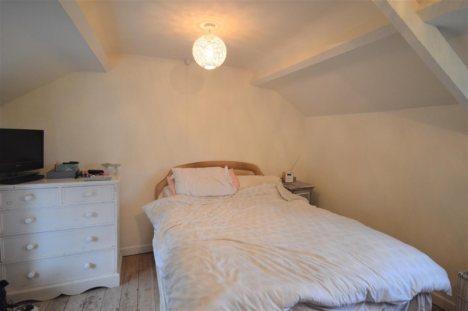 3 bed country house for sale in Kingsland 13