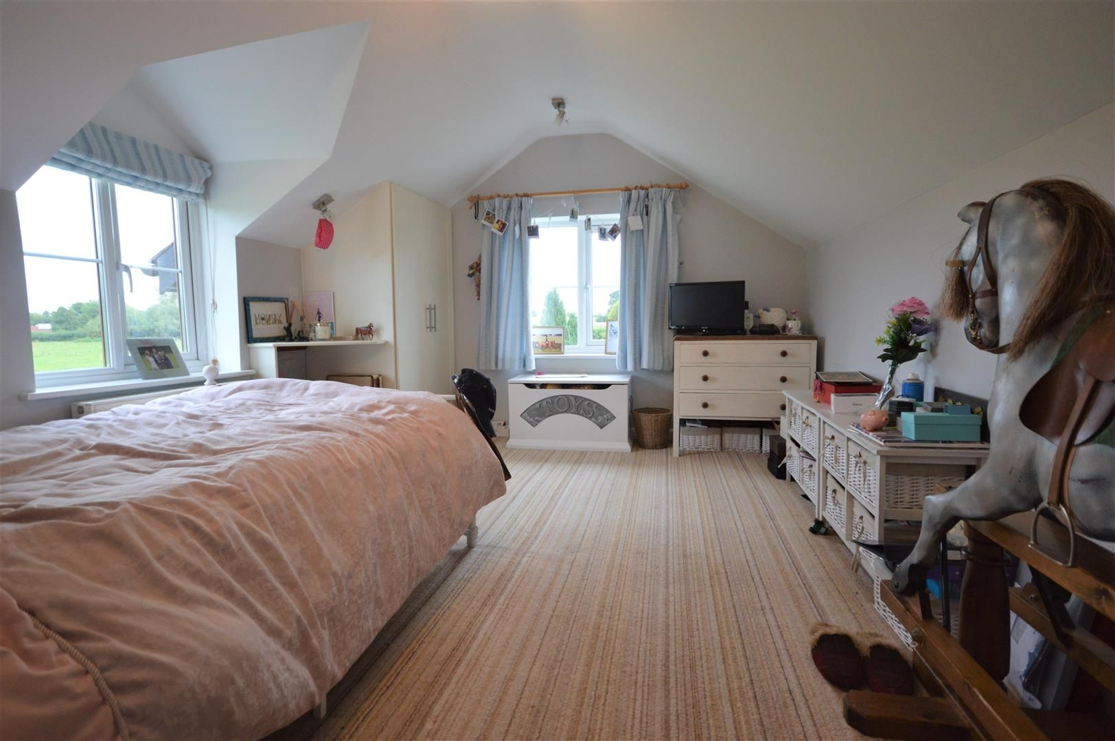 3 bed country house for sale in Kingsland 14