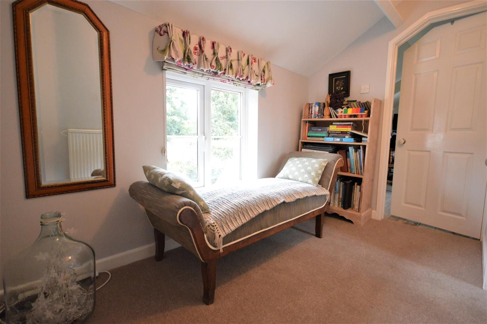 3 bed country house for sale in Kingsland 18