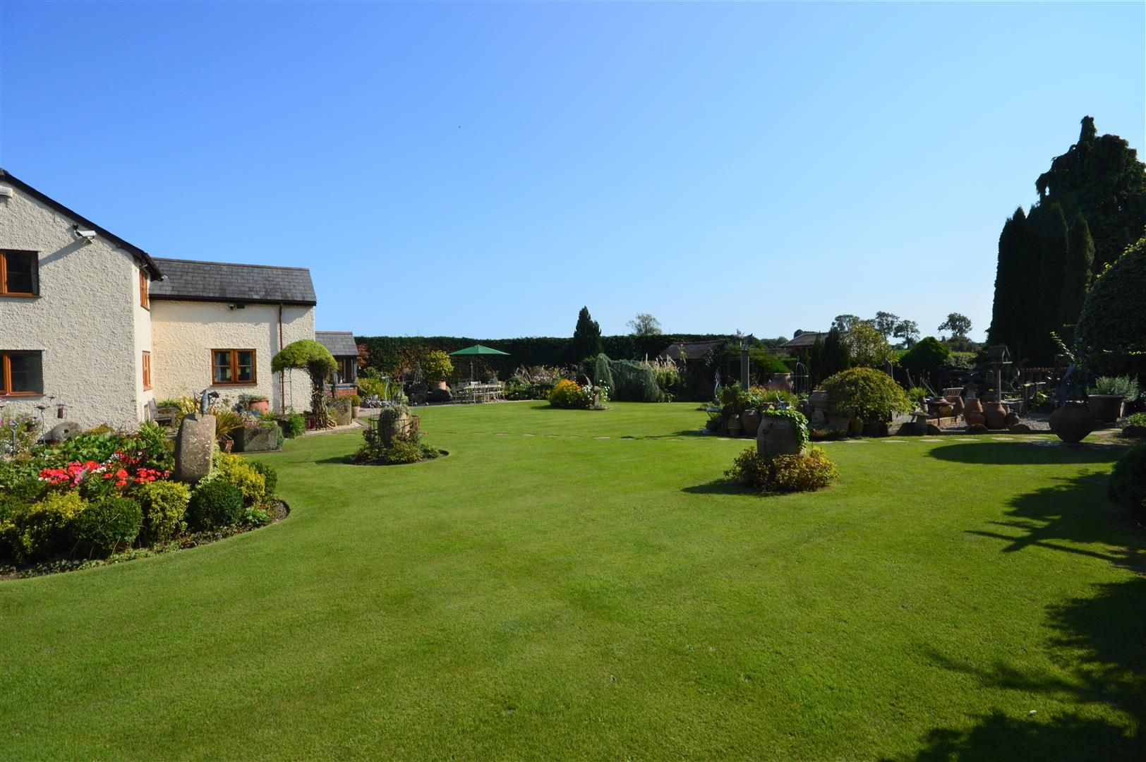 3 bed country house for sale in Kingsland 19