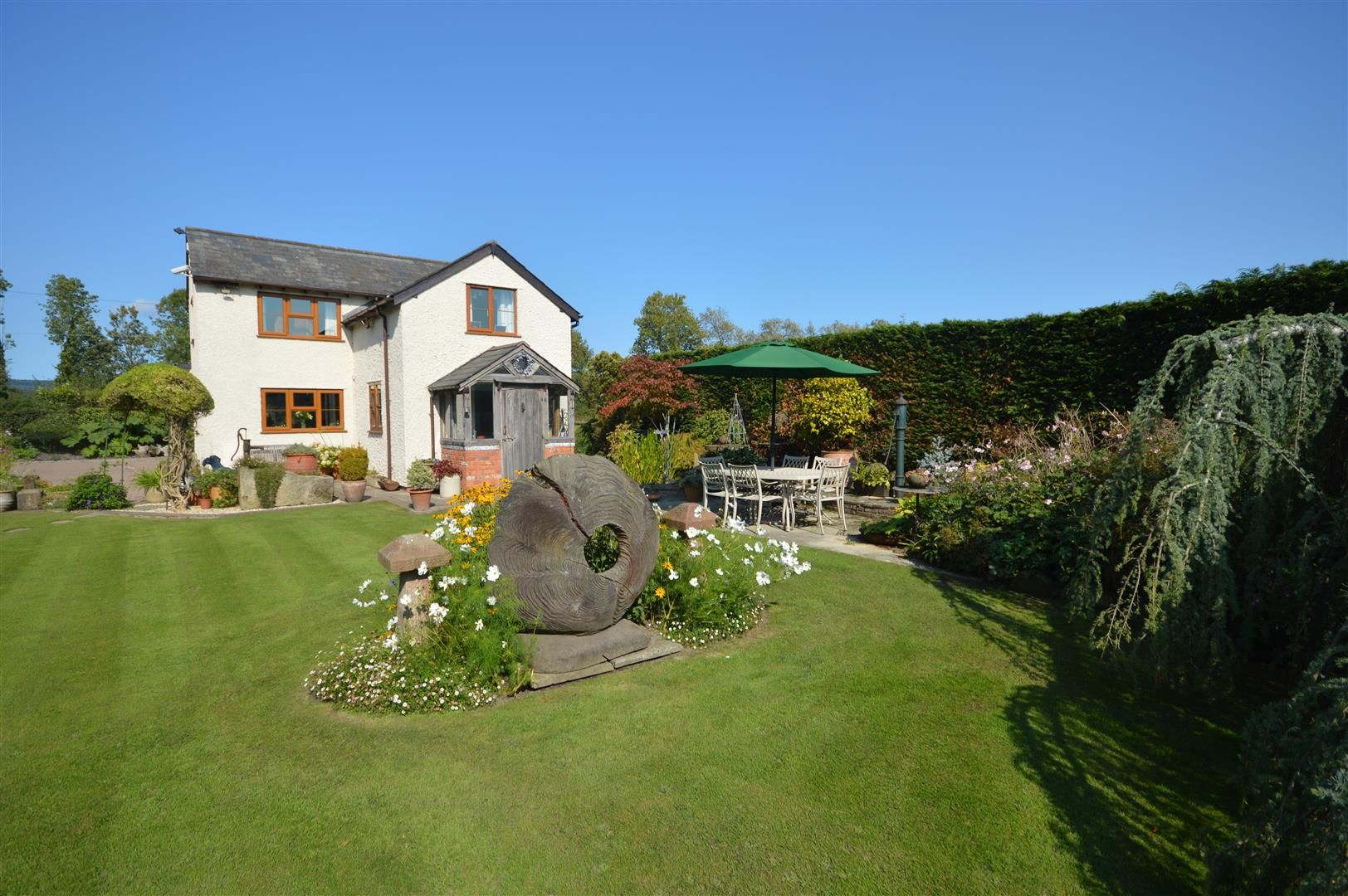 3 bed country house for sale in Kingsland 22