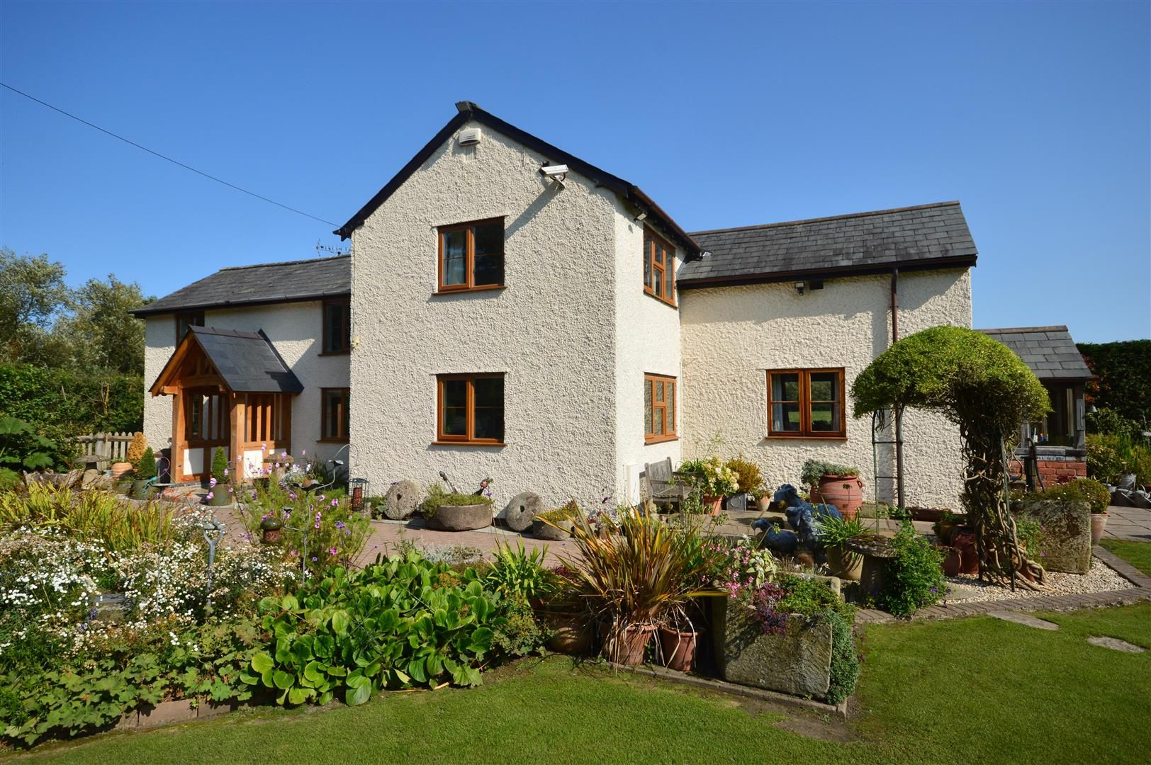3 bed country house for sale in Kingsland 24