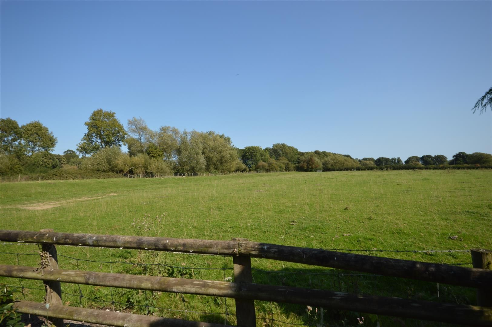 3 bed country house for sale in Kingsland 26