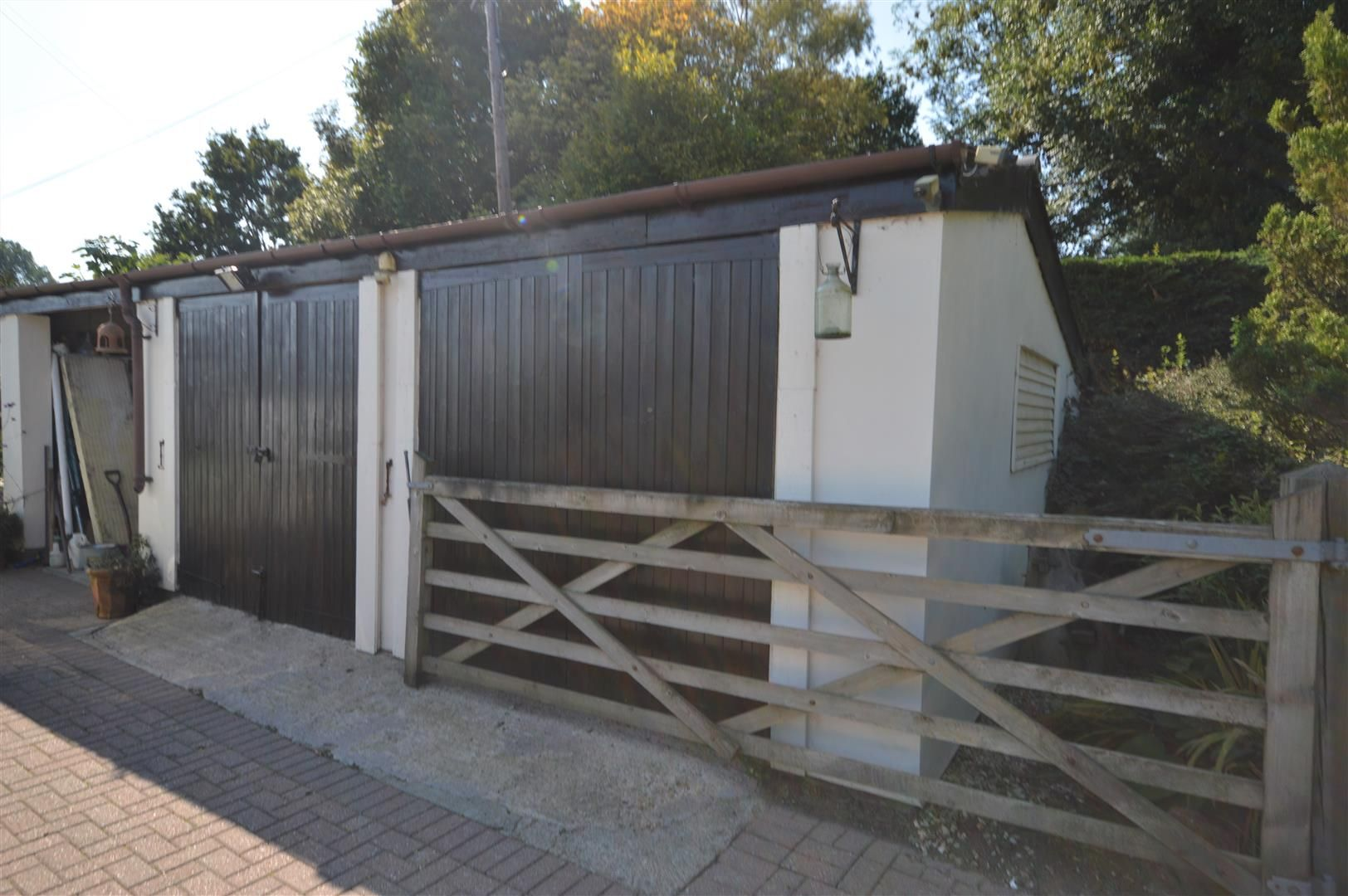3 bed country house for sale in Kingsland 27
