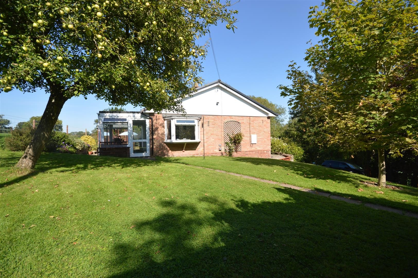 2 bed detached-bungalow for sale in Dilwyn 12