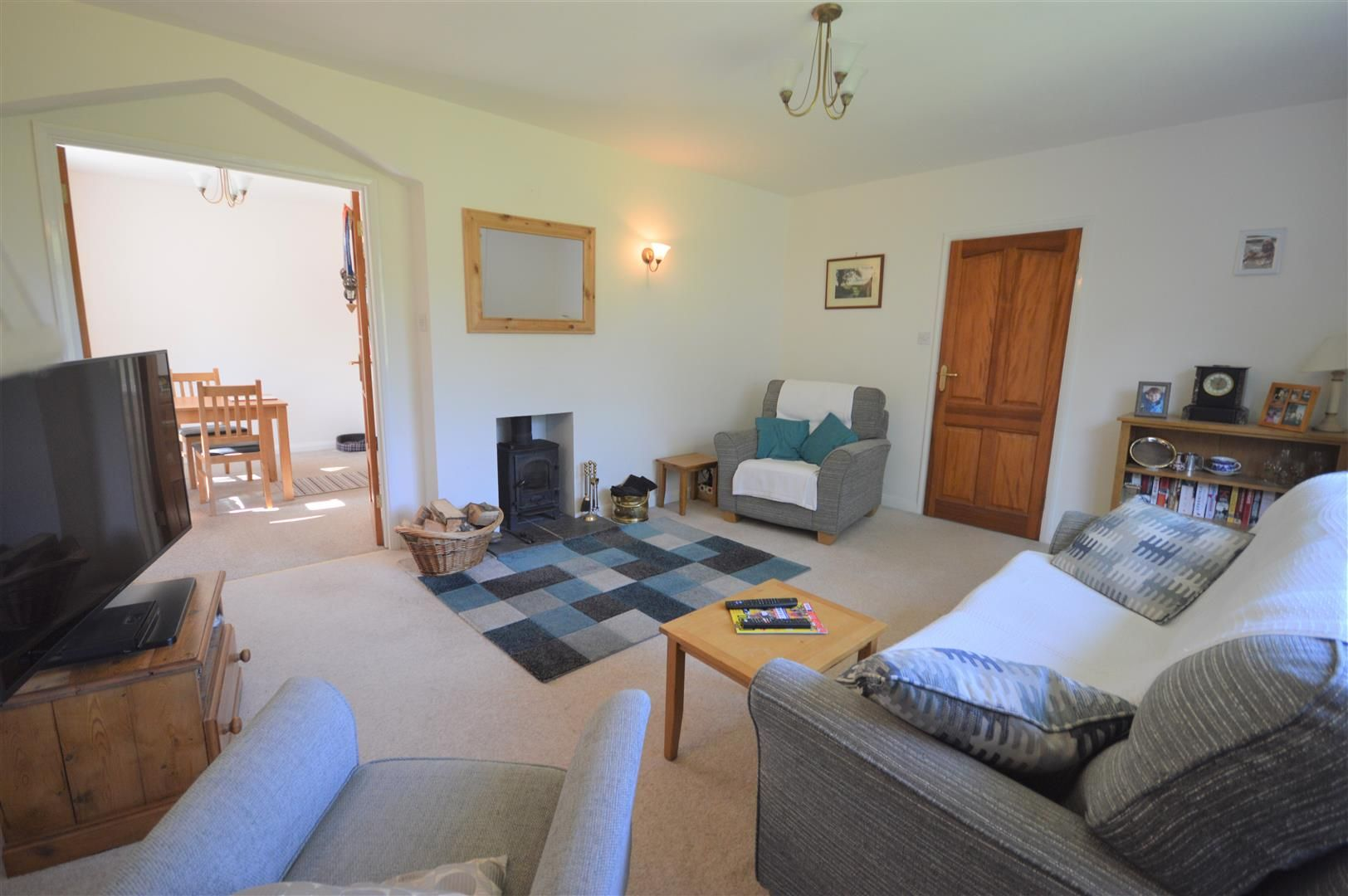 2 bed detached-bungalow for sale in Dilwyn 3
