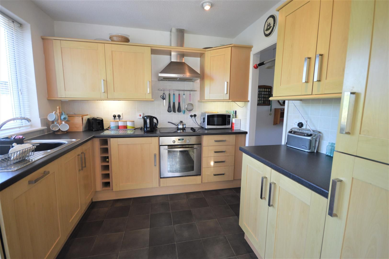 2 bed detached-bungalow for sale in Dilwyn 4