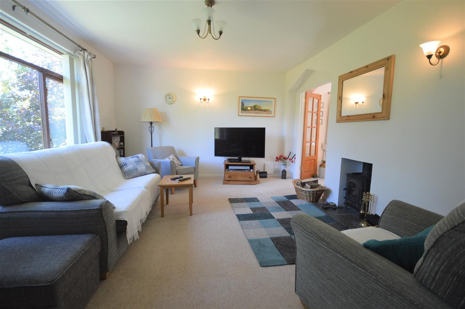 2 bed detached-bungalow for sale in Dilwyn  - Property Image 6