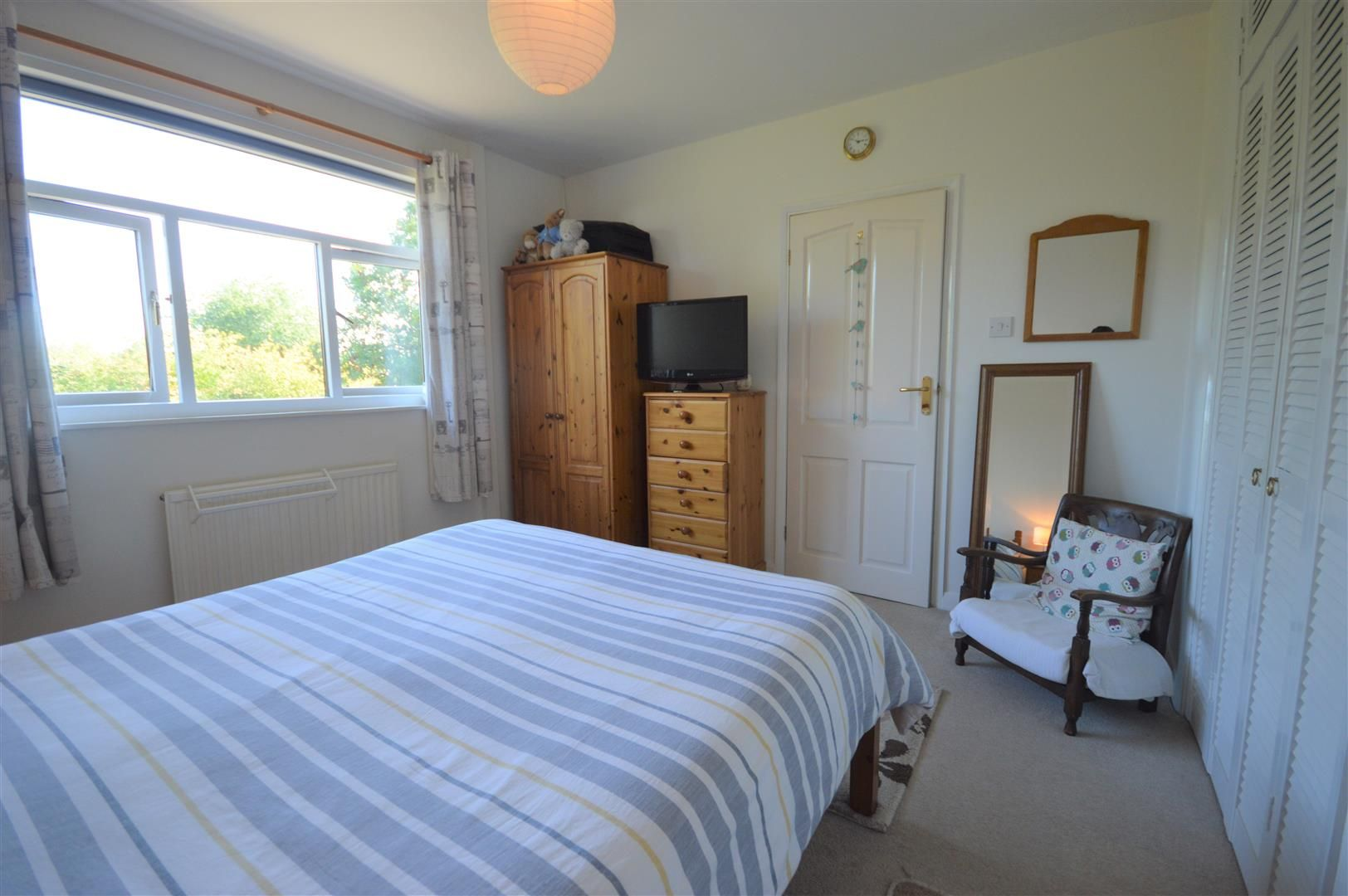 2 bed detached-bungalow for sale in Dilwyn 9