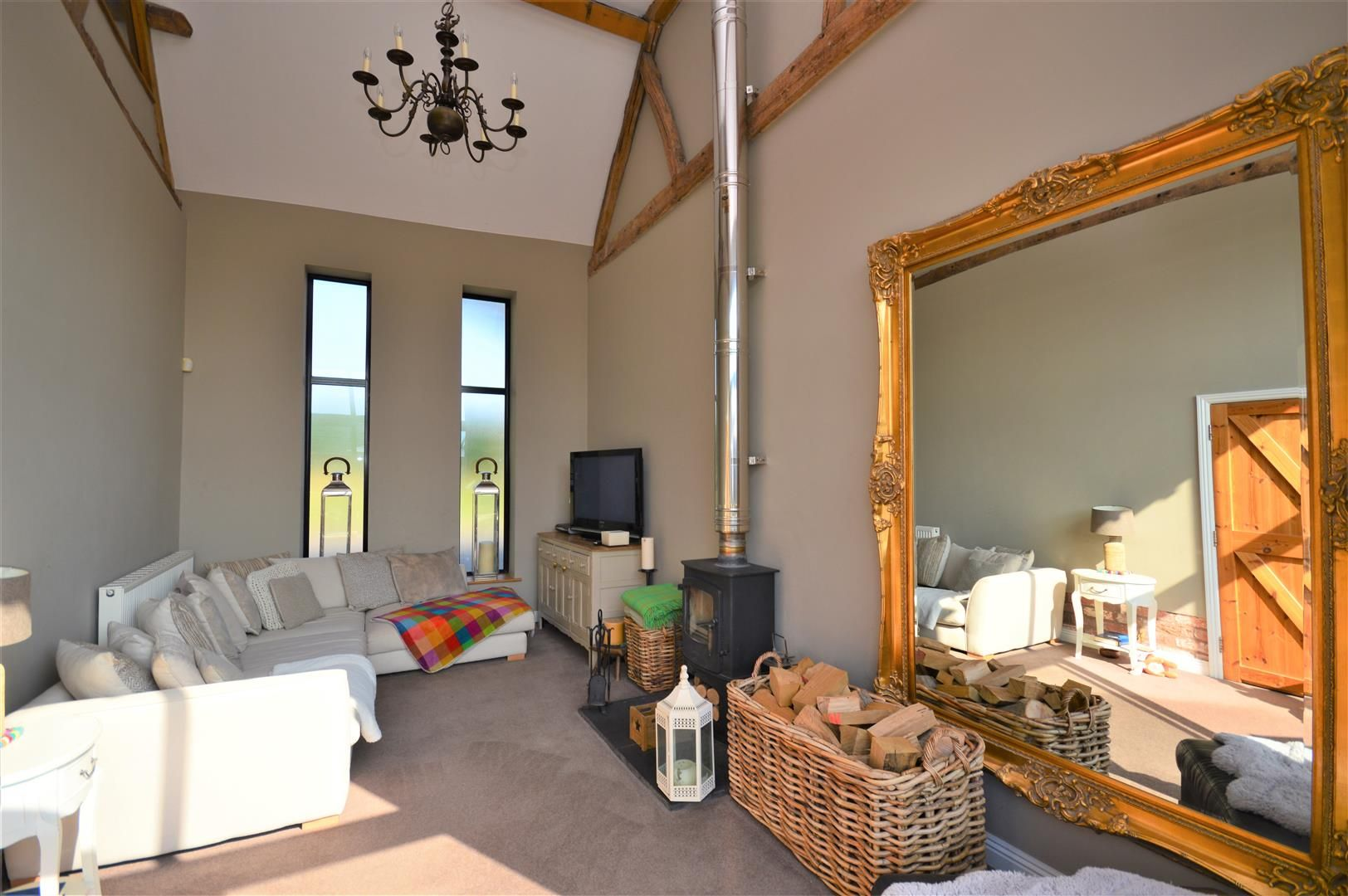 4 bed barn conversion for sale in Burghill 4