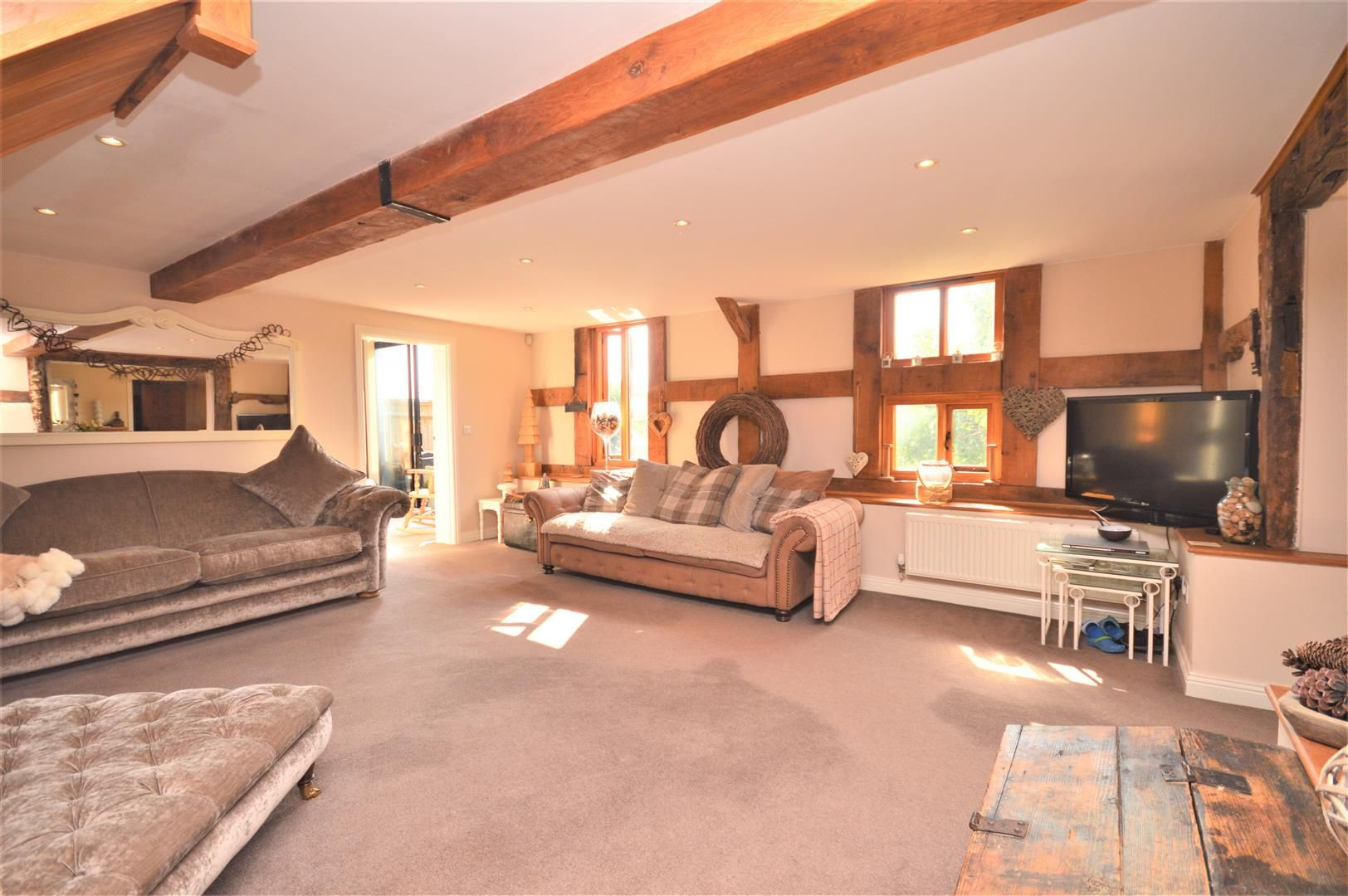 4 bed barn conversion for sale in Burghill 6