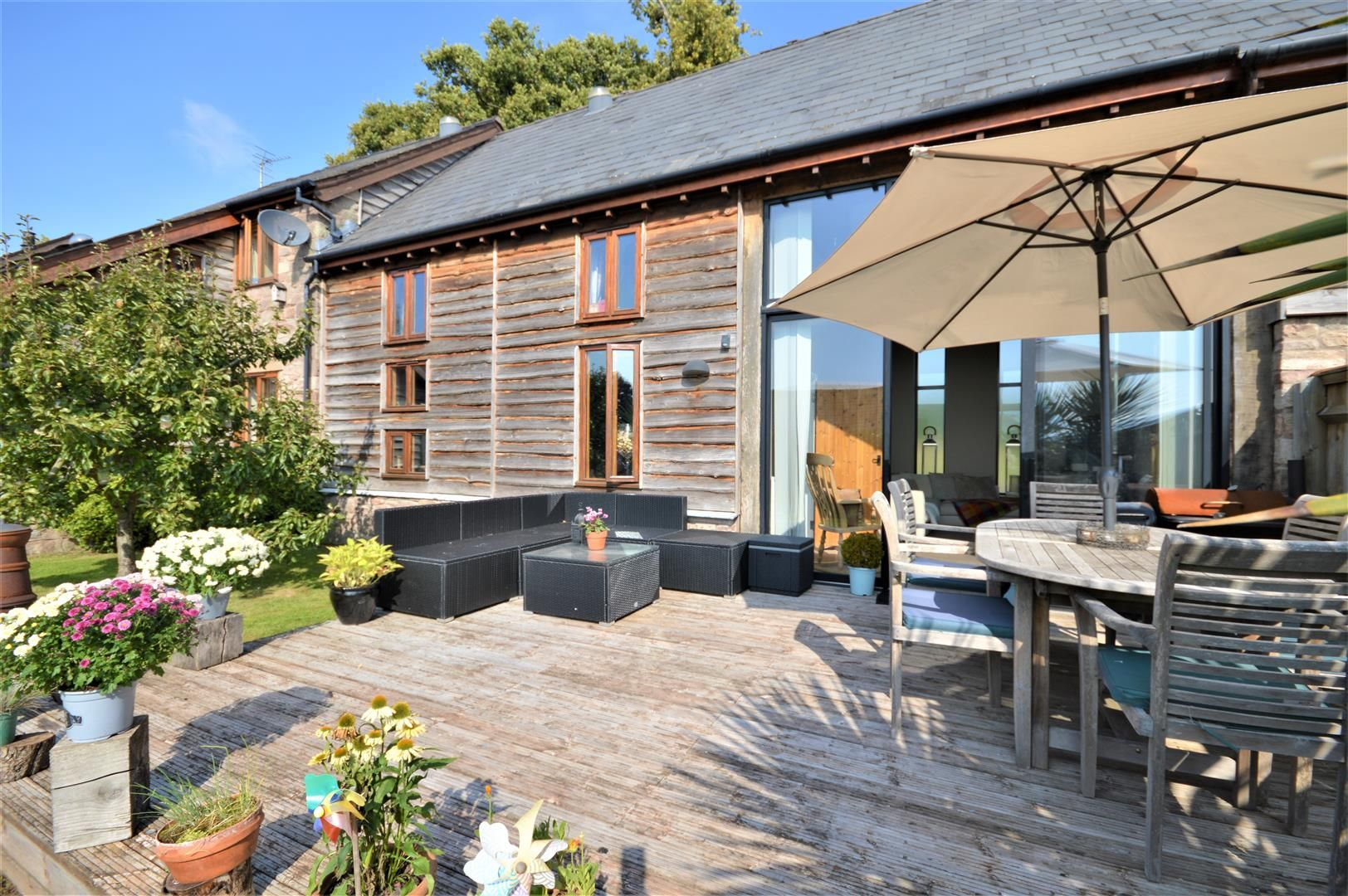 4 bed barn conversion for sale in Burghill 8
