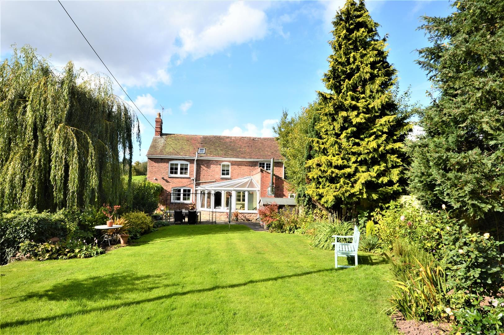 3 bed detached for sale in Burghill, HR4