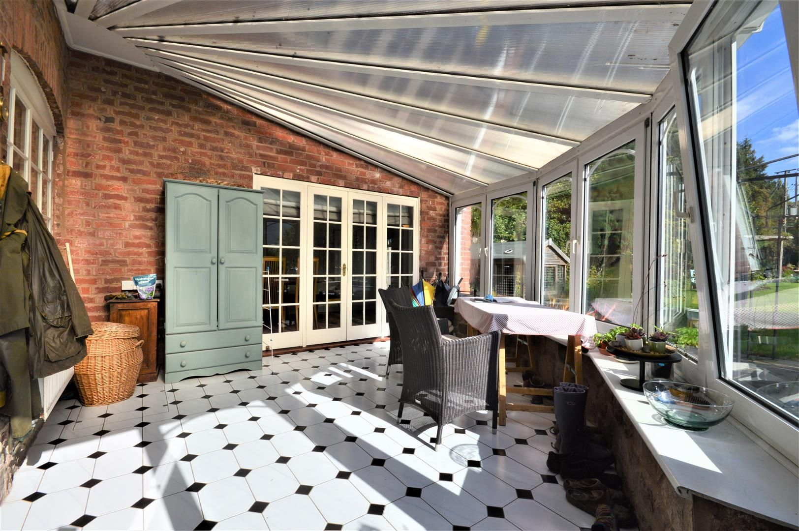 3 bed detached for sale in Burghill 11