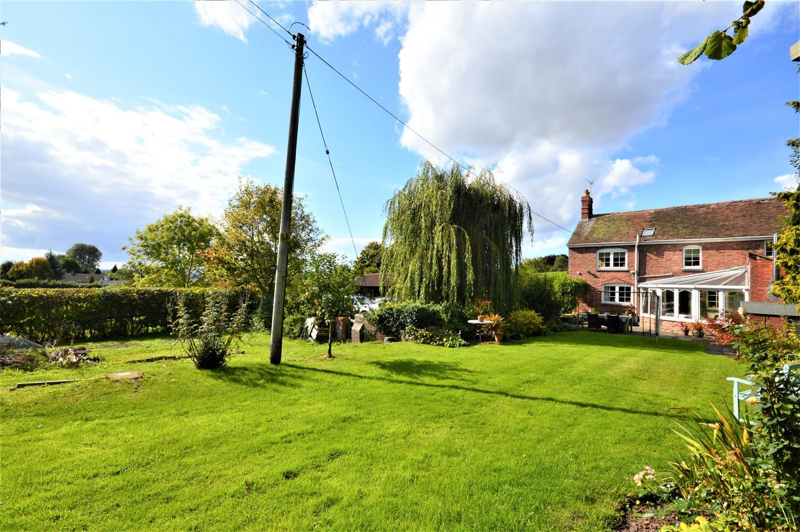 3 bed detached for sale in Burghill 16