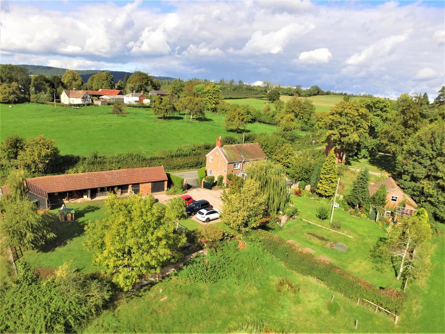3 bed detached for sale in Burghill 3