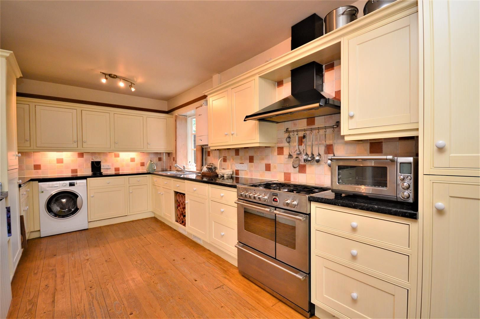 3 bed detached for sale in Burghill 21