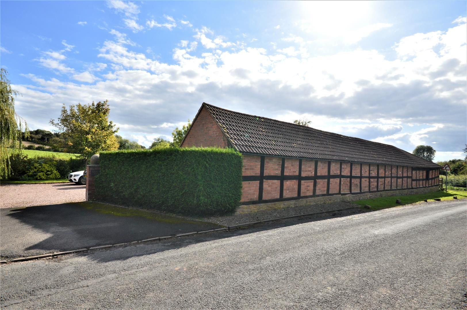 3 bed detached for sale in Burghill 4