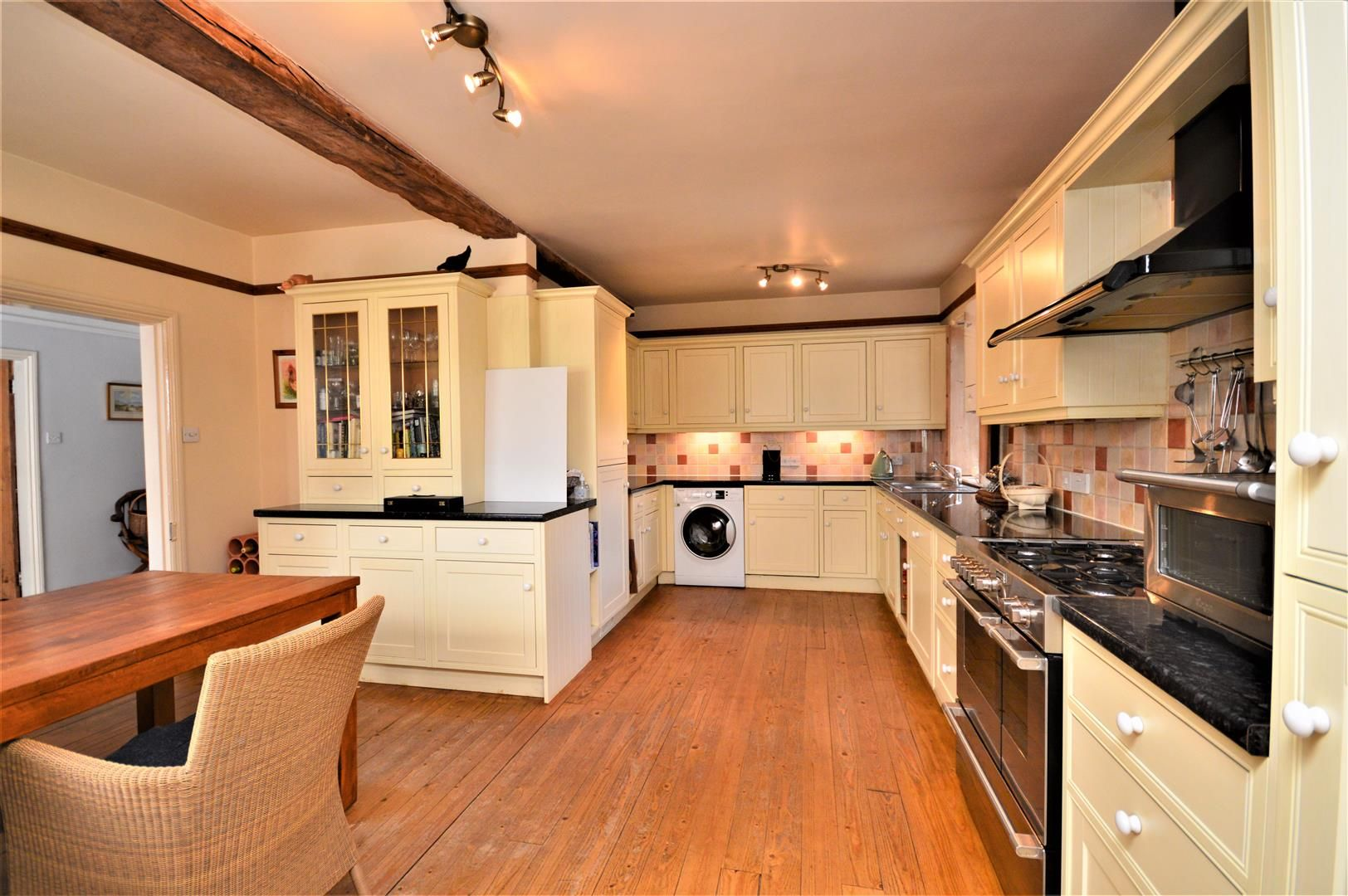 3 bed detached for sale in Burghill 7