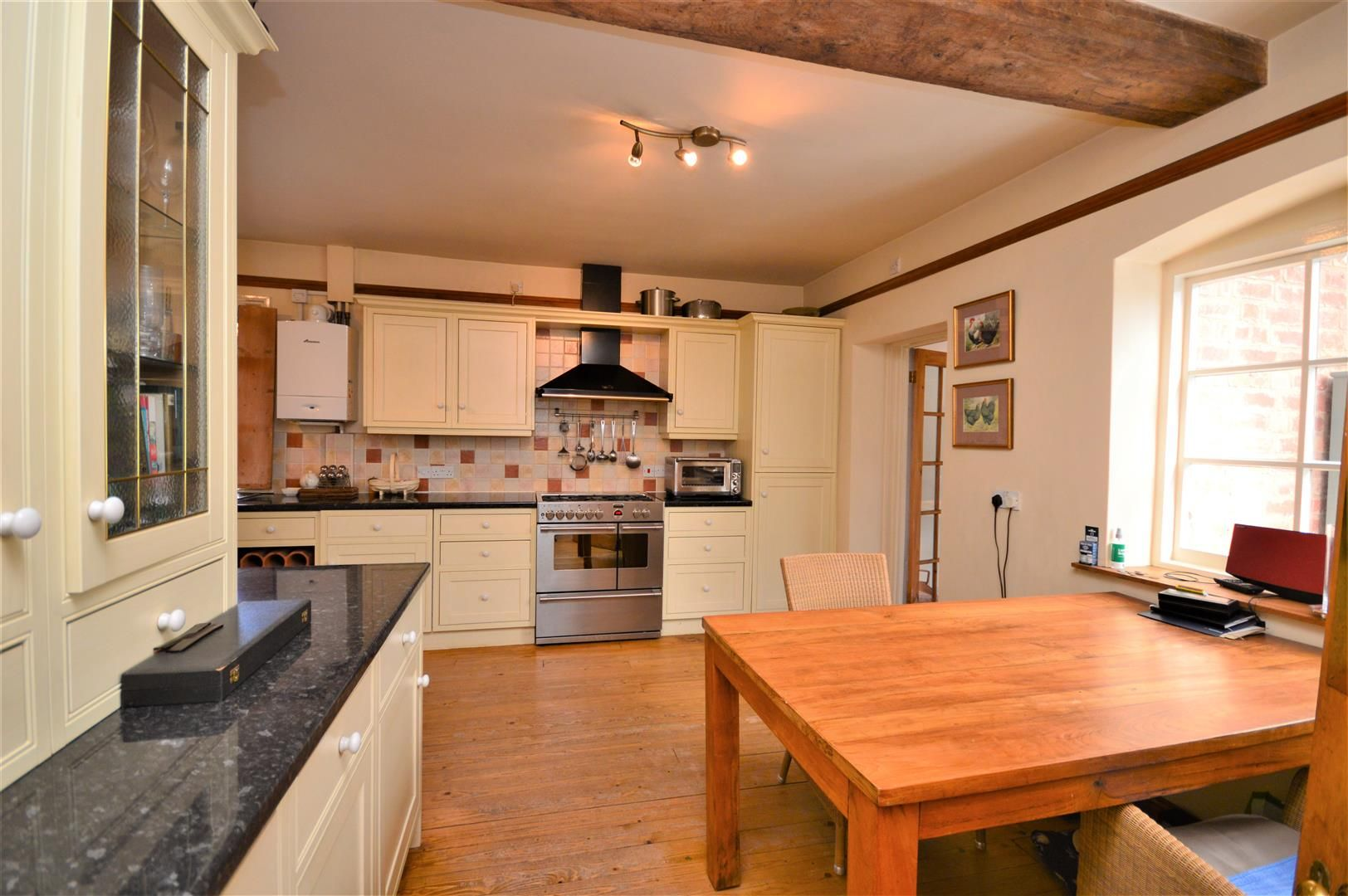 3 bed detached for sale in Burghill 8
