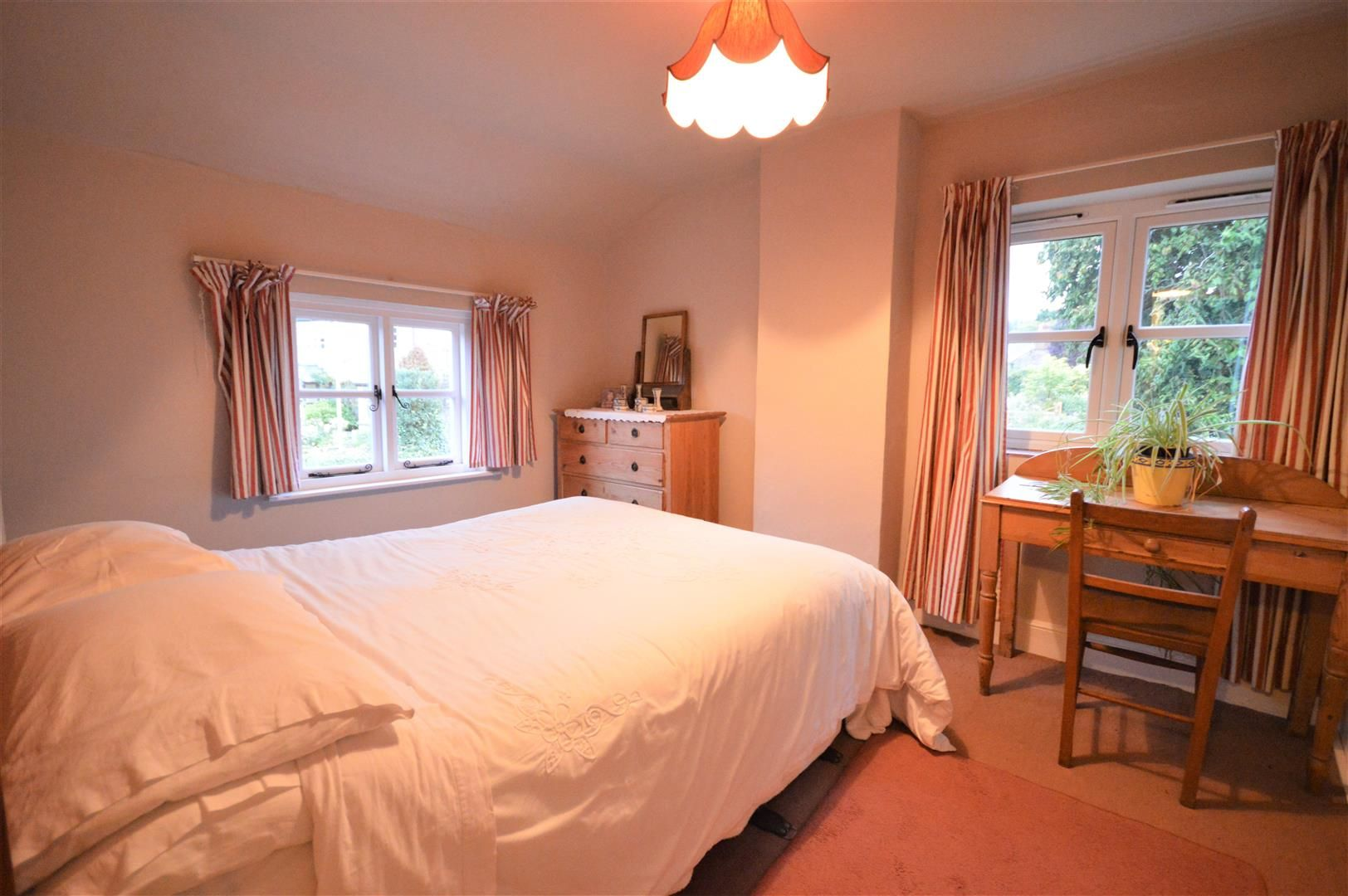 4 bed country house for sale in Stoke Prior 12
