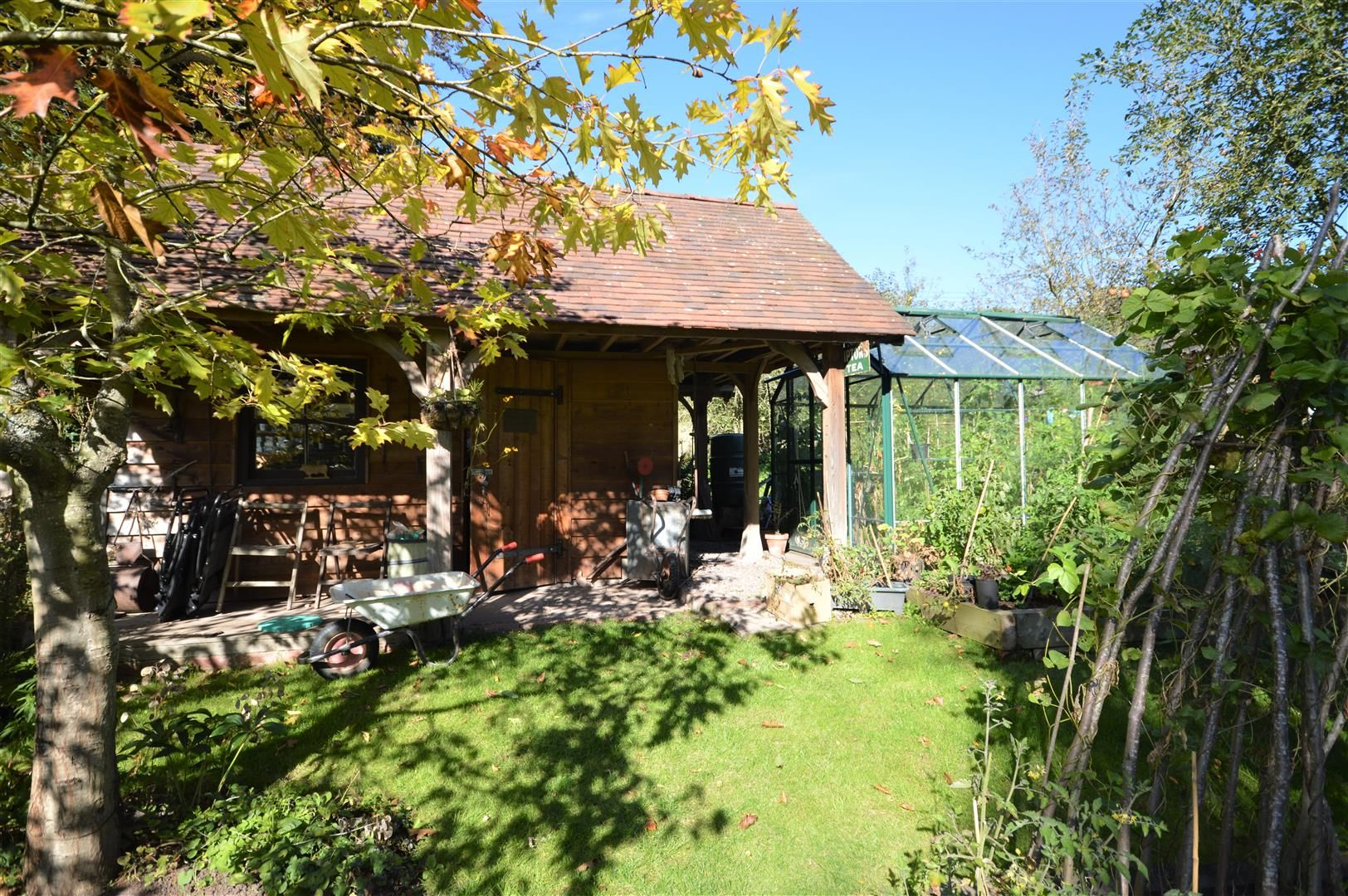 4 bed country house for sale in Stoke Prior 19