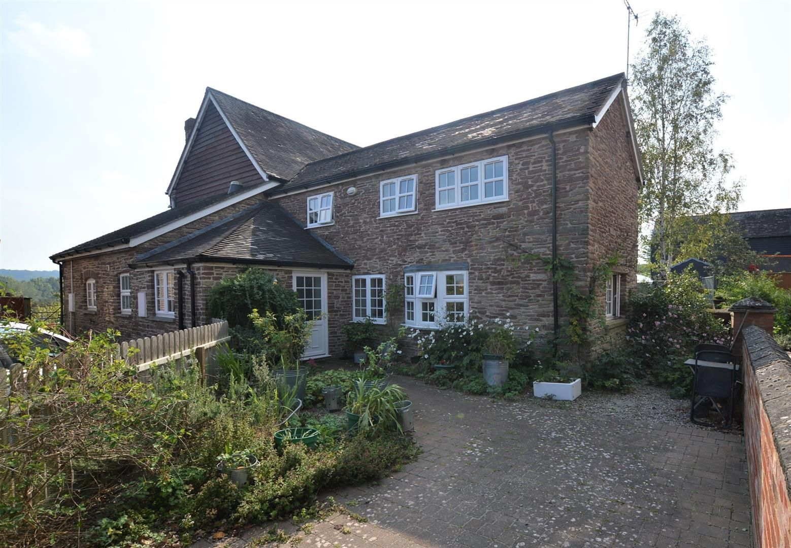 2 bed barn conversion for sale in Wharton, HR6