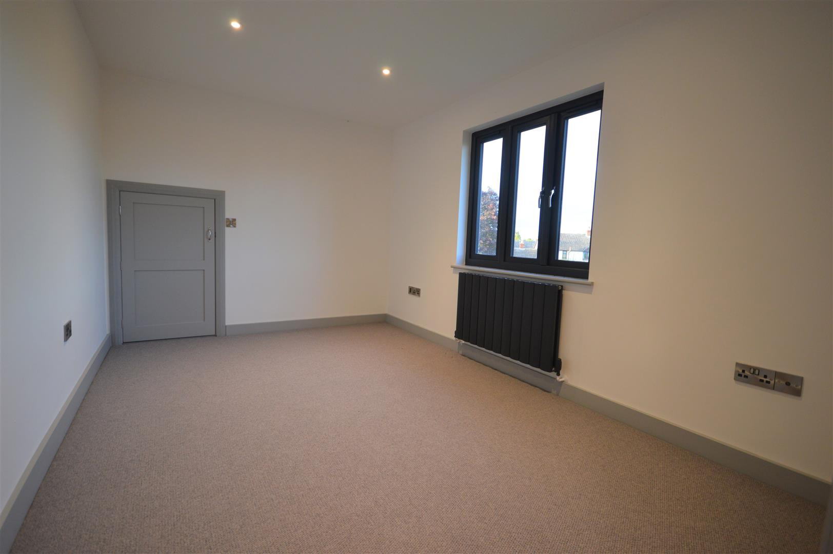 4 bed detached for sale in Brimfield 12