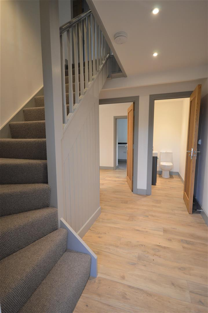 4 bed detached for sale in Brimfield 8