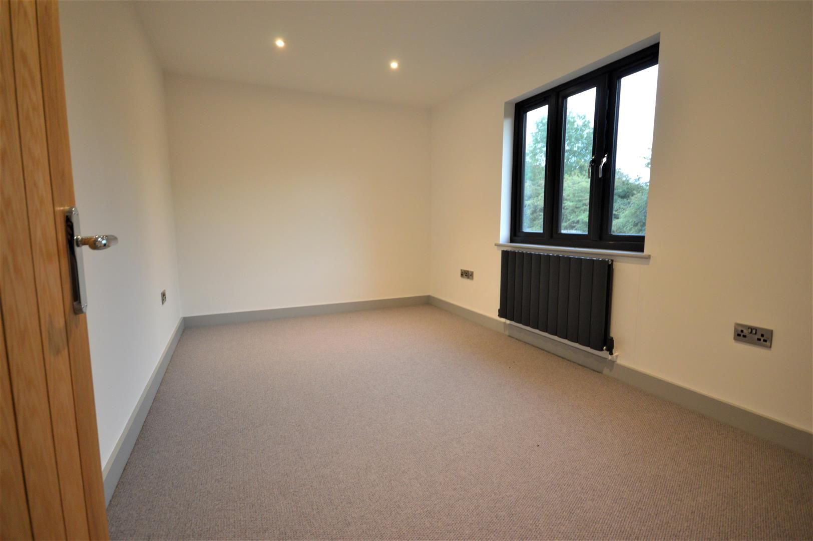 4 bed detached for sale in Brimfield 11