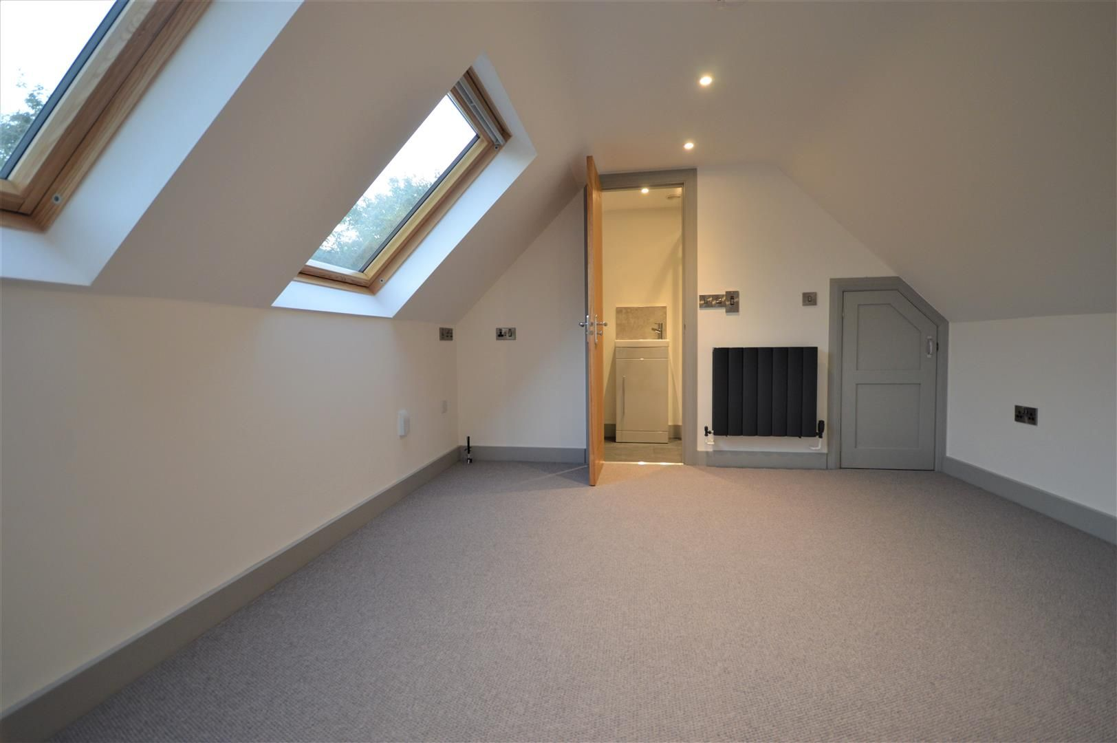 4 bed detached for sale in Brimfield 15