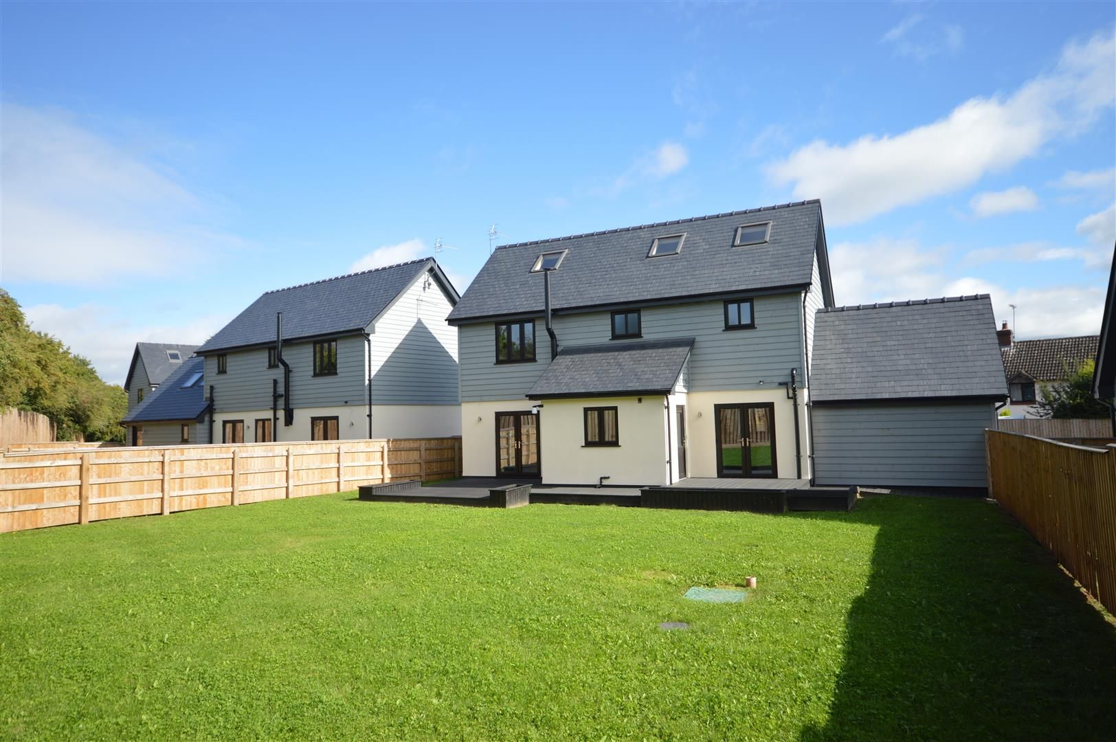 4 bed detached for sale in Brimfield 2