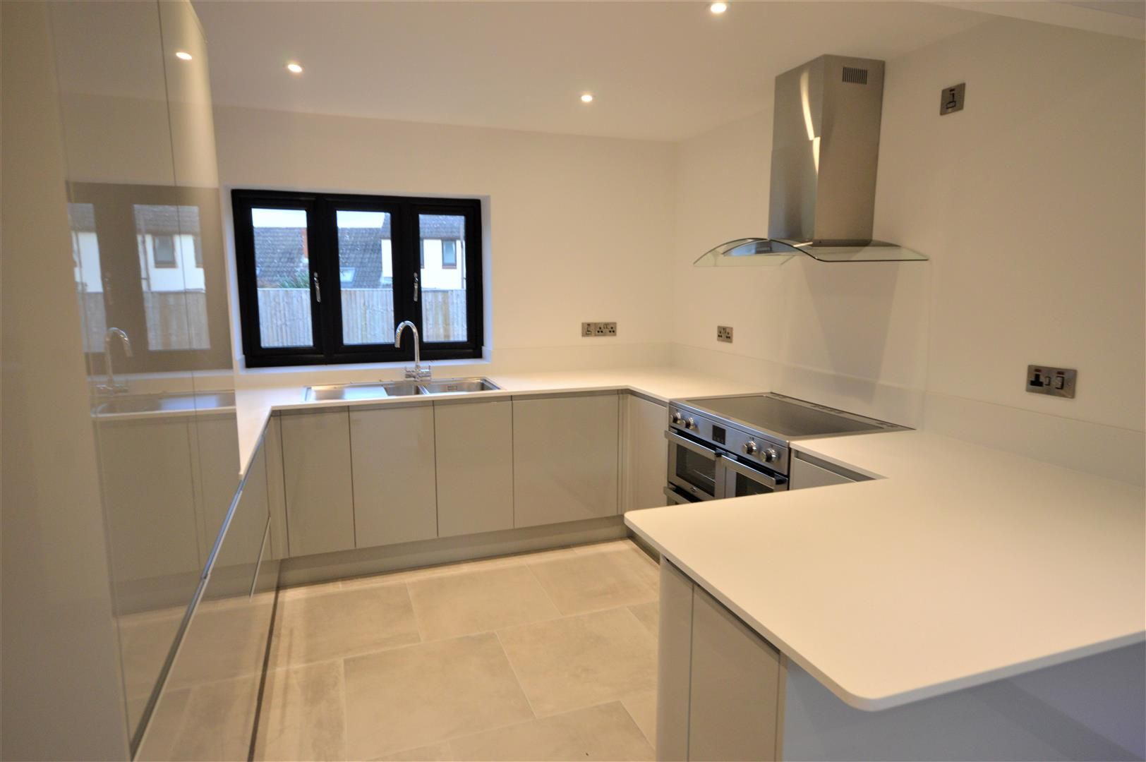 4 bed detached for sale in Brimfield 4