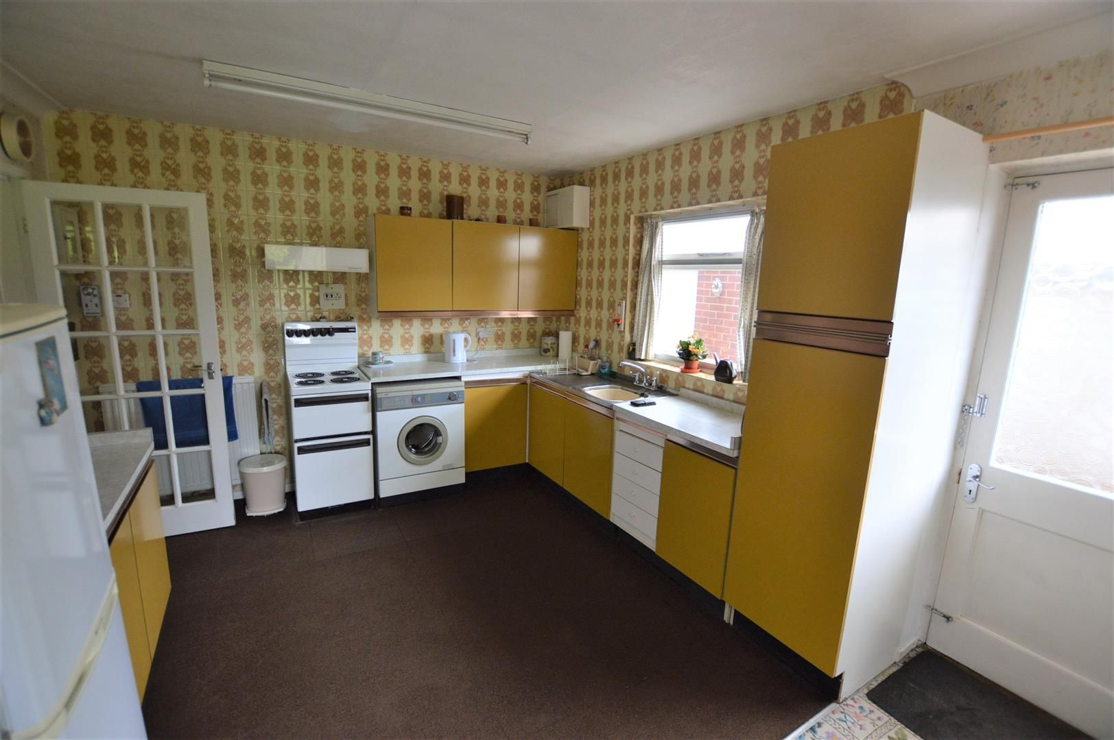 3 bed detached bungalow for sale in Dilwyn 3