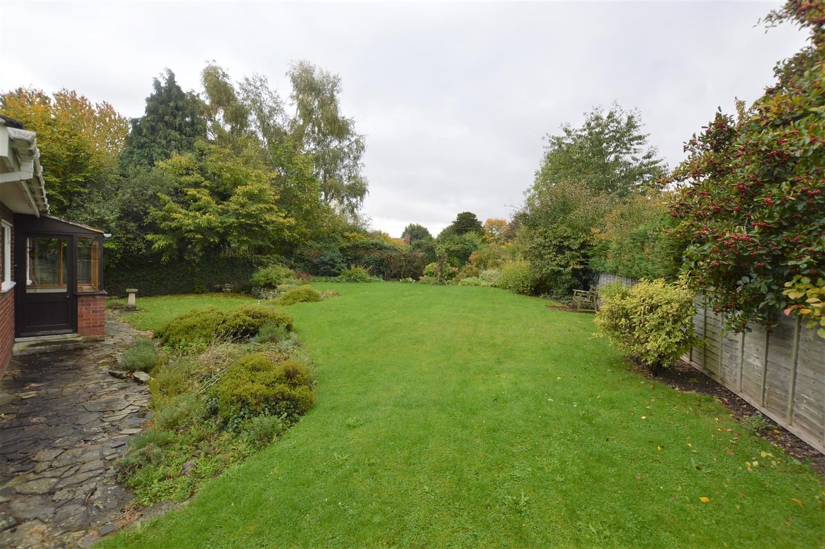 3 bed detached bungalow for sale in Dilwyn 9