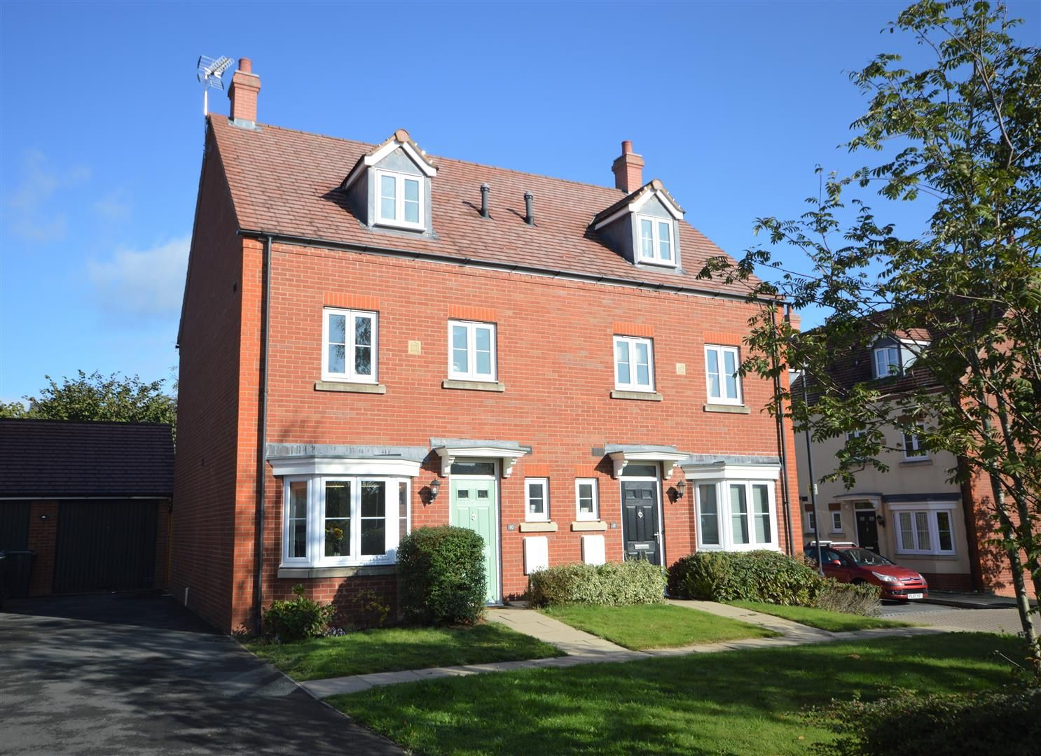 4 bed semi-detached for sale in Leominster  - Property Image 1