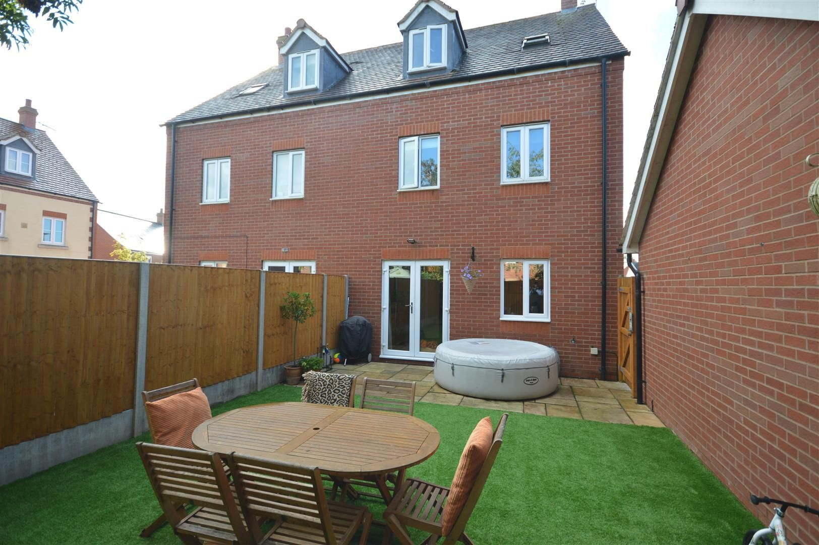 4 bed semi-detached for sale in Leominster 19