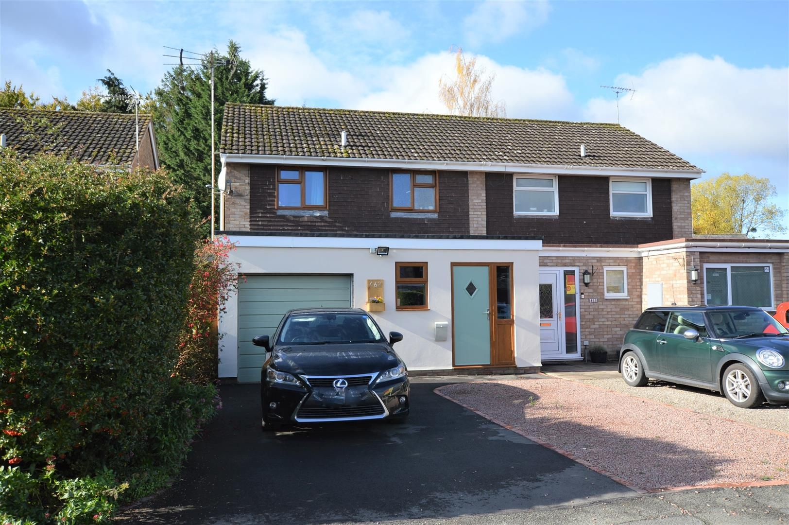 3 bed semi-detached for sale in Leominster - Property Image 1