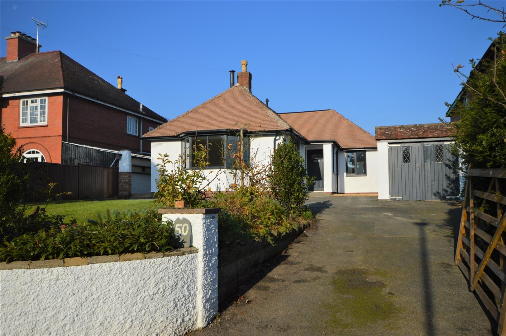 3 bed detached-bungalow for sale, HR6